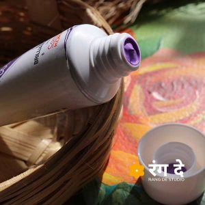 Buy Camlin Brilliant Purple Artists Acrylic Colours Online from Rang De Studio