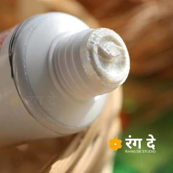 Buy Pearl White Artists Acrylic Colour Online from Rang De Studio
